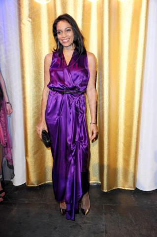 Rosario Dawson - Colonia - 27-01-2014 - Il red carpet sceglie il colore viola. Ma non portava sfortuna?