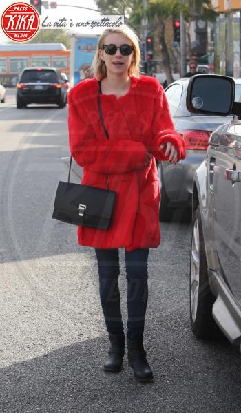 Emma Roberts - Los Angeles - 28-01-2014 - Calda e colorata: è la Venere in ecopelliccia!