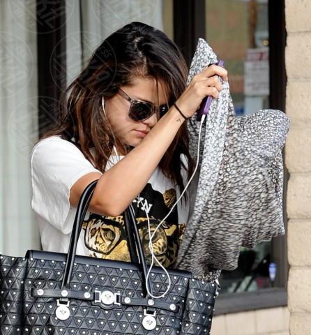Selena Gomez - Encino - 29-01-2014 - Le celebrity giocano a nascondino con i paparazzi