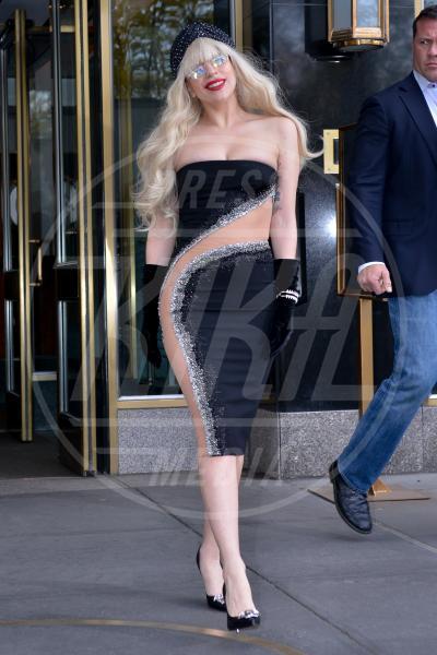 Lady Gaga - Manhattan - 15-11-2013 - Sotto il vestito… niente! Ma proprio niente!