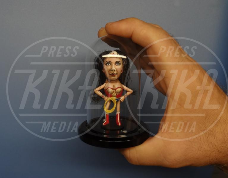 Nocciolina americana, Wonder woman - Kentucky - 28-01-2014 - Le celebrity? Sono un pugno di… noccioline!