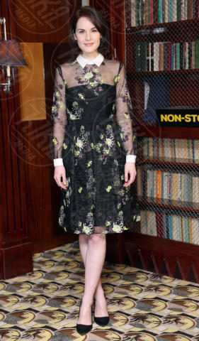 Michelle Dockery - Londra - 30-01-2014 - Back to school: tutte studentesse preppy con il colletto!