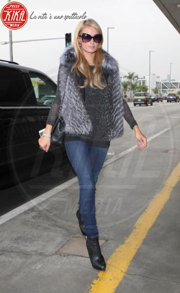 Paris Hilton - Los Angeles - 30-01-2014 - Calda e colorata: è la Venere in ecopelliccia!