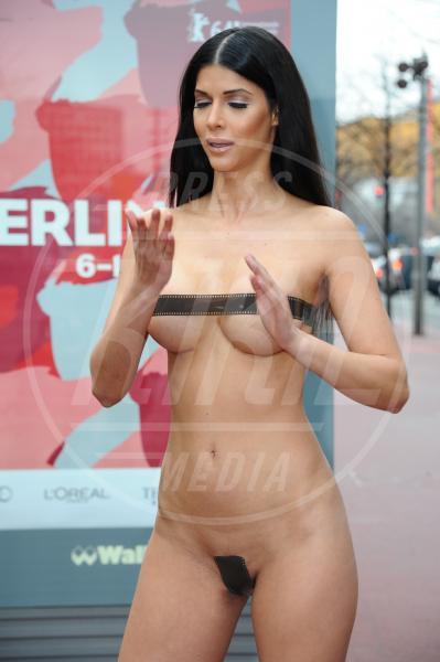 Micaela Schaefer - Berlino - 03-02-2014 - Sono esibizionista dunque sono: le star si mettono a nudo