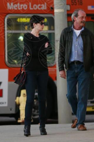 Anne Hathaway - Los Angeles - 03-02-2014 - Ogni giorno una passerella: Gwen Stefani senza trucco