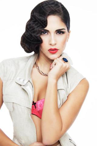 Rocio Munoz Morales - 04-02-2014 - Olé! Sanremo ci consegna la nuova Regina di Spagna