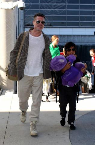 Zahara Jolie Pitt, Pax Thien Jolie Pitt, Angelina Jolie, Brad Pitt - Los Angeles - 05-02-2014 - Brad Pitt e Angelina Jolie fanno rientro a Los Angeles