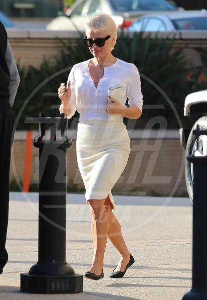 Pamela Anderson - Los Angeles - 05-02-2014 - Ogni giorno una passerella: indovina di chi è questo lato b