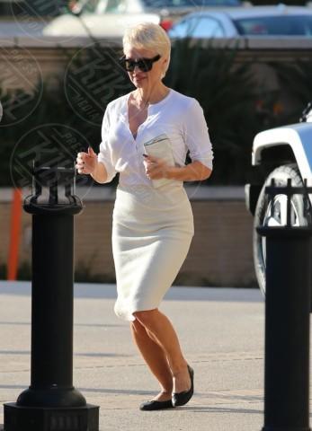 Pamela Anderson - Los Angeles - 05-02-2014 - Bianca, colorata o fantasia: qual è la tua camicia?