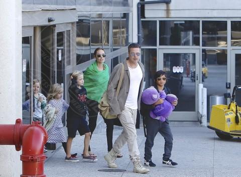 Shiloh Jolie Pitt, Knox Leon Jolie Pitt, Pax Thien Jolie Pitt, Angelina Jolie, Brad Pitt - Los Angeles - 05-02-2014 - Brad Pitt e Angelina Jolie fanno rientro a Los Angeles