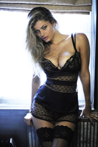 Natalia Bush - 06-02-2014 - Olé! Sanremo ci consegna la nuova Regina di Spagna