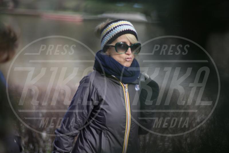 Luciana Littizzetto - Torino - 25-02-2014 - Con sto freddo con sto vento, chi esce senza sciarpa?