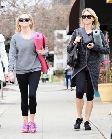 Reese Witherspoon, Naomi Watts - Los Angeles - 06-02-2014 - Ma dove vai... se lo yoga non lo fai?
