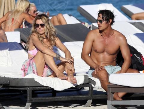 Riccardo, Rita Rusic - Miami - 07-02-2014 - Da Halle Berry a Brigitte Macron: le donne amano i giovani
