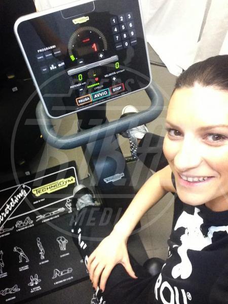 Laura Pausini - 04-02-2014 - Helfie, belfie, welfie: le nuove frontiere dell'autoscatto