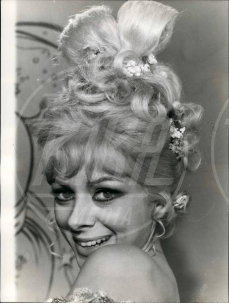 Sandra Milo - 11-11-1966 - Le dive amano i potenti? Forse è il contrario