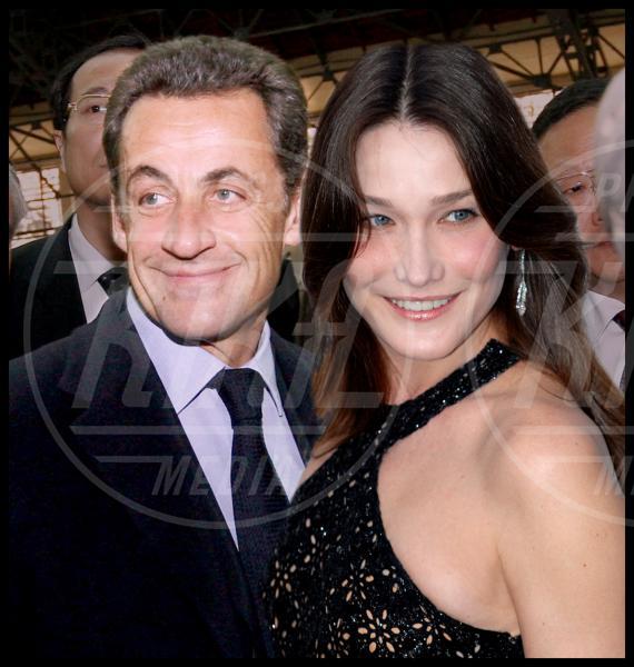 Nicolas Sarkozy, Carla Bruni - Parigi - 25-11-2007 - Le dive amano i potenti? Forse è il contrario