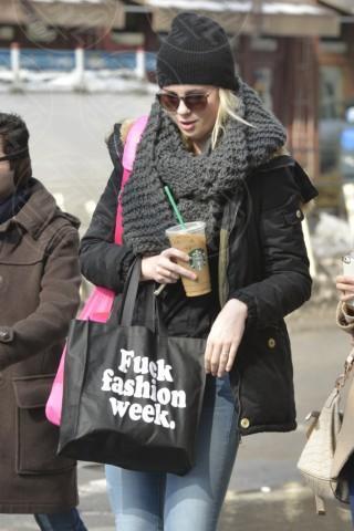 Ireland Baldwin - New York - 14-02-2014 - Con sto freddo con sto vento, chi esce senza sciarpa?