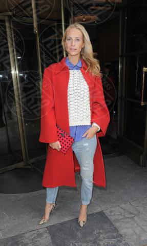 Poppy Delevingne - Londra - 15-02-2014 - Sarà un inverno caldo… con un cappotto rosso!