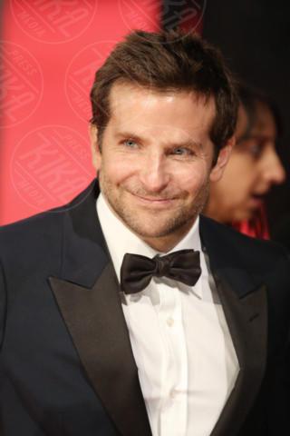 Bradley Cooper - Londra - 16-02-2014 - Bafta 2014: i Brangelina in doppio smoking