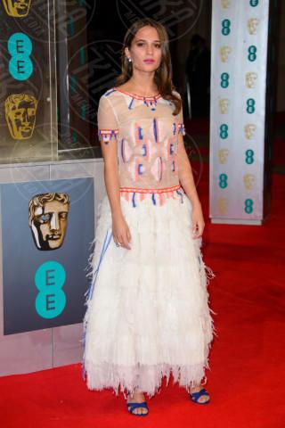 Alicia Wikander - Londra - 16-02-2014 - Vade retro abito! Le scelte delle star ai BAFTA 2014