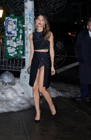 Lily Aldridge - New York - 19-02-2014 - Contro il caldo dell'estate, prendi fresco con lo spacco!
