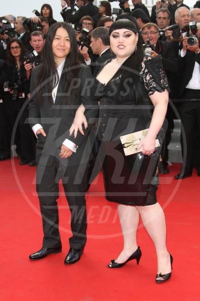 Kristin Ogata, Beth Ditto - Cannes - 17-05-2012 - Cara, Michelle e le altre: quando lei & lei sono in coppia