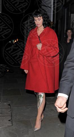 Katy Perry - Londra - 18-02-2014 - Sarà un inverno caldo… con un cappotto rosso!