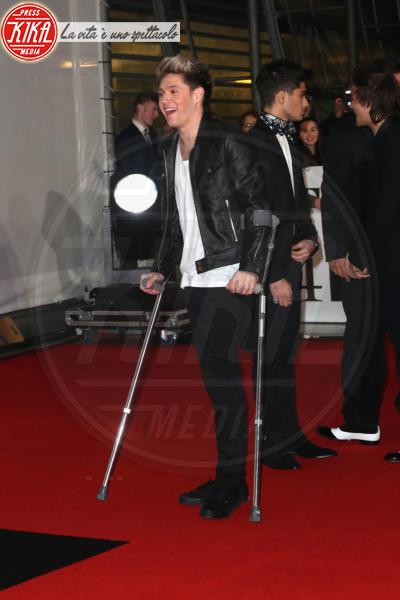Niall Horan - Londra - 19-02-2013 - Bende, cerotti, gessi, la dura vita della star