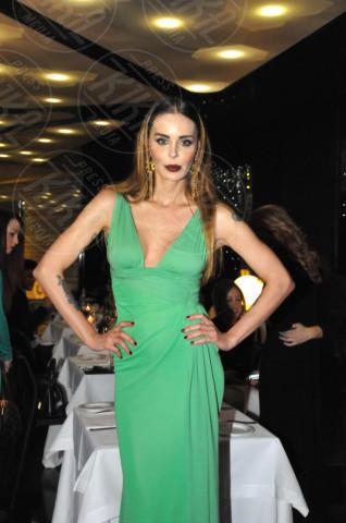Nina Moric - Milano - 19-02-2014 - Milano Fashion Week: Nina Moric in versione Morticia Addams