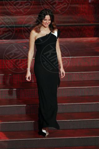 Kasia Smutniak - Sanremo - 20-02-2014 - Sul red carpet come una dea: il ritorno del monospalla