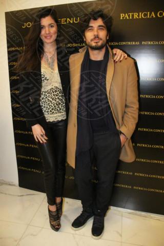 fidanzata - Milano - 19-02-2014 - Milano Fashion Week: Nina Moric in versione Morticia Addams