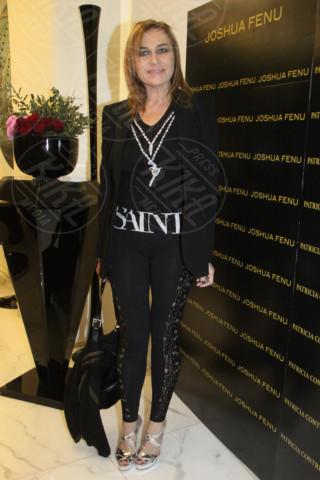 Lory Del Santo - Milano - 19-02-2014 - Milano Fashion Week: Nina Moric in versione Morticia Addams