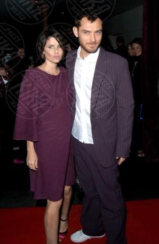 Sadie Frost, Jude Law - Londra - 26-04-2002 - Jude Law ci ricasca: quinto figlio in arrivo…dalla ex!
