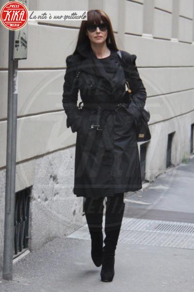 Monica Bellucci - Milano - 21-02-2014 - L'autunno è alle porte: è tempo di trench!