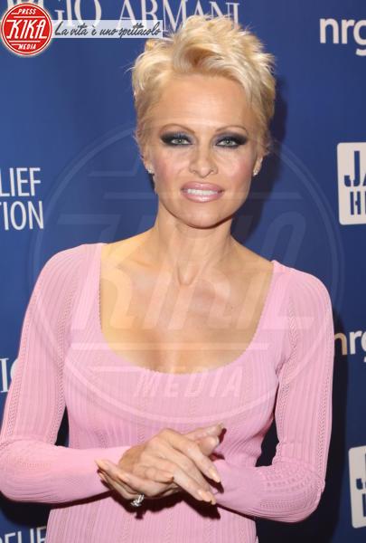 Pamela Anderson - Los Angeles - 11-01-2014 - Marilyn Style: biondo platino, il colore delle dive