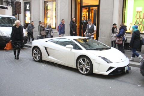 Mauro Icardi, Wanda Nara - Milano - 21-02-2014 - Shopping in Lamborghini per Mauro Icardi e Wanda Nara