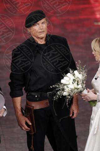 Terence Hill - Sanremo - 22-02-2014 - Terence Hill pronto a rimettere l'abito talare per Don Matteo 10