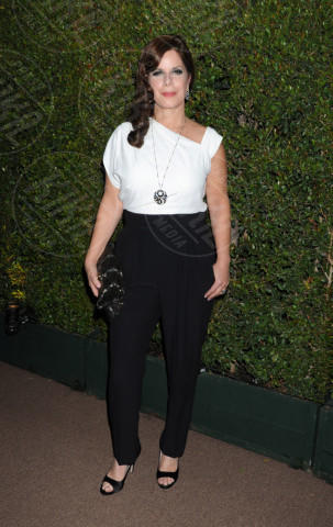 Marcia Gay Harden - West Hollywood - 25-02-2014 - Camicia bianca e pantaloni neri: dal casual al red carpet