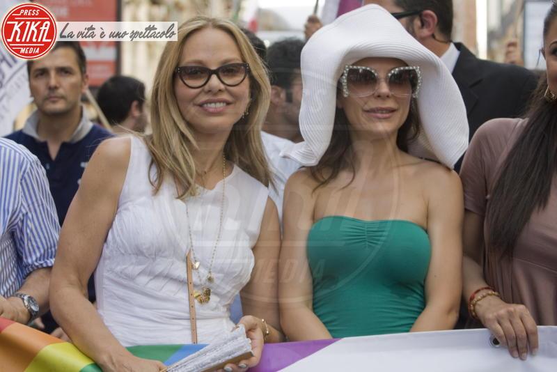 Naike Rivelli, Ornella Muti - Napoli - 30-06-2012 - Naike Riveli rivela tutto sui suoi gusti sessuali