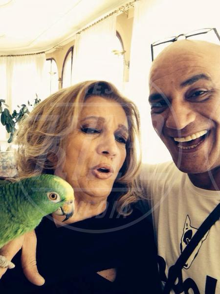 Francesco Lombardi, Ghyblj, Iva Zanicchi - amore - Sanremo - 22-02-2014 - Diario di Amore, il pappagallo del Papa, da Sanremo