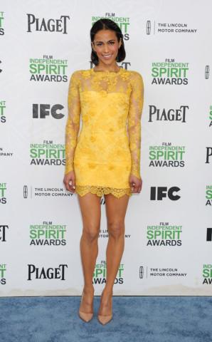 Paula Patton - Santa Monica - 01-03-2014 - Giallo e arancione, colori del sole e dell'estate!