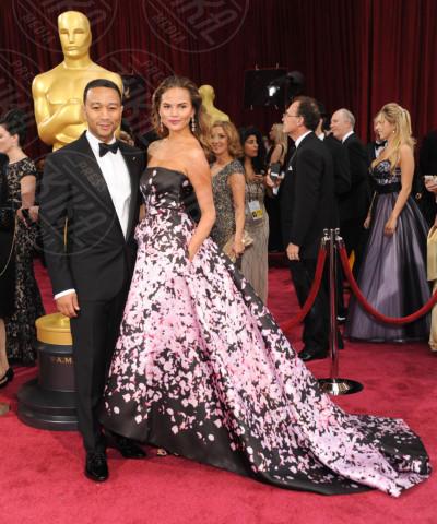 Christine Teigen, John Legend - Hollywood - 02-03-2014 - John Legend acquista la villa di Rihanna a Beverly Hills