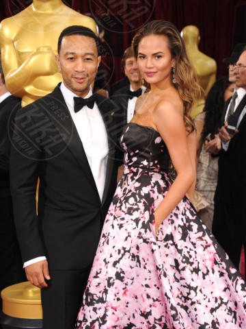 Christine Teigen, John Legend - Hollywood - 02-03-2014 - John Legend acquista la villa di Rihanna a Beverly Hills