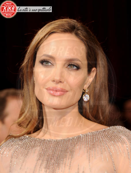 Angelina Jolie - Hollywood - 02-03-2014 - 86th Oscar: sfida all'ultima acconciatura
