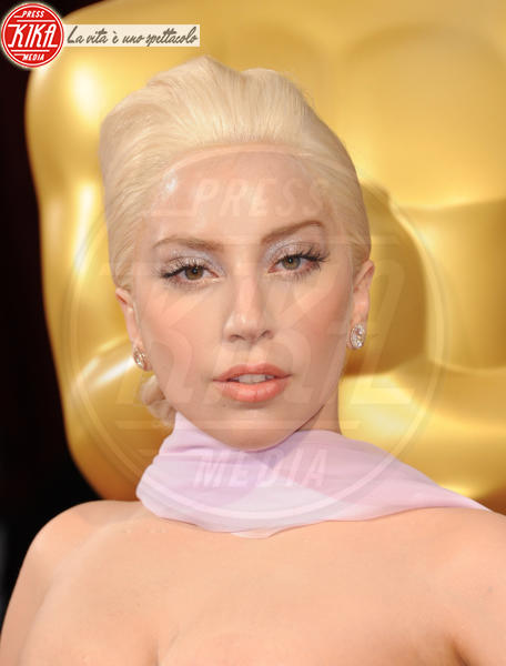 Lady Gaga - Hollywood - 02-03-2014 - Marilyn Style: biondo platino, il colore delle dive