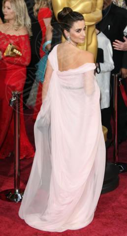 Penelope Cruz - Los Angeles - 02-03-2014 - Sul red carpet come una dea: il ritorno del monospalla