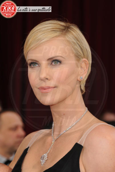 Charlize Theron - Hollywood - 02-03-2014 - 86th Oscar: sfida all'ultima acconciatura