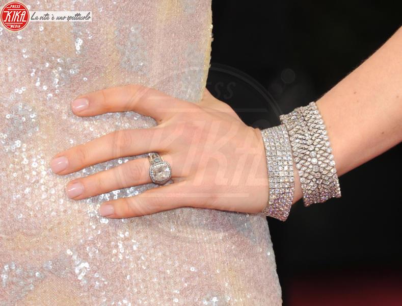 Jessica Biel - Hollywood - 02-03-2014 - Emily Ratajkowski mostra l'enorme anello di fidanzamento