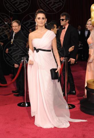 Penelope Cruz - Hollywood - 02-03-2014 - Sul red carpet come una dea: il ritorno del monospalla